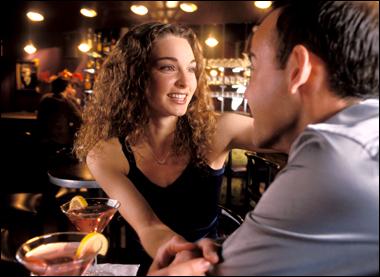 первое свидание: о чем говорить и как флиртовать?